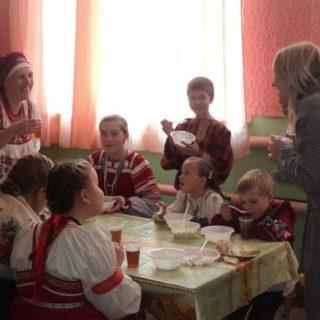 Участники фестиваля из ГБОУ СОШ с. Воскресенка